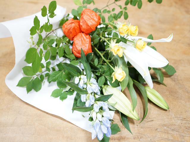 洋花のお墓の花2