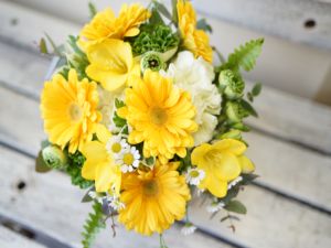 黄色ガーベラ花束