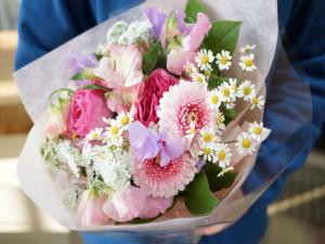 お誕生日花束ピンクガーベラ